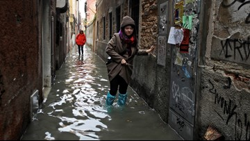 Dramatic flooding prompts state of emergency in Venice