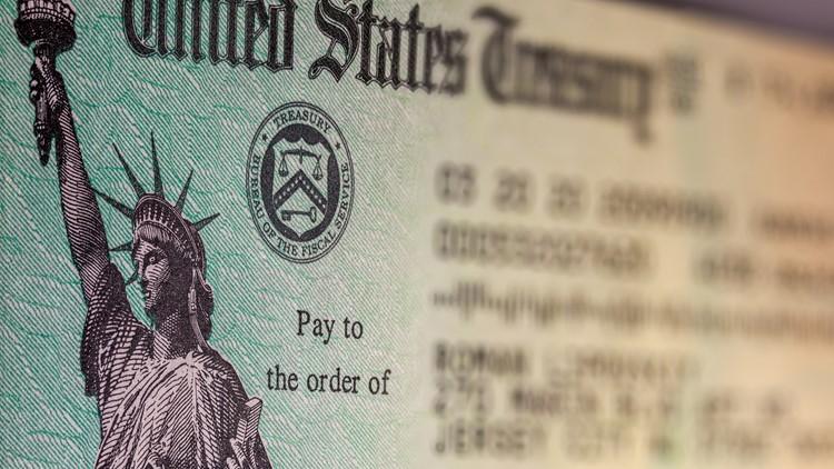 ¿A quién se le pagará primero cuando se reembolsen los impuestos de las personas que ganaron hasta $10,200 por beneficios de desempleo?