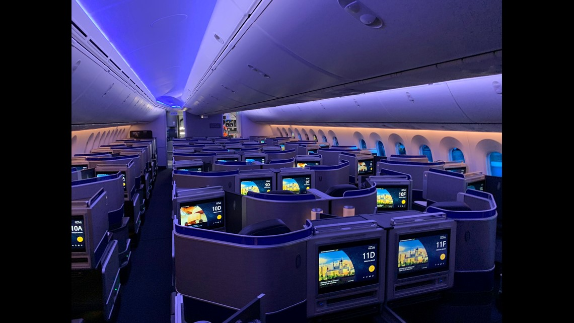 United shows off first Boeing 787-10 Dreamliner at Washington Dulles