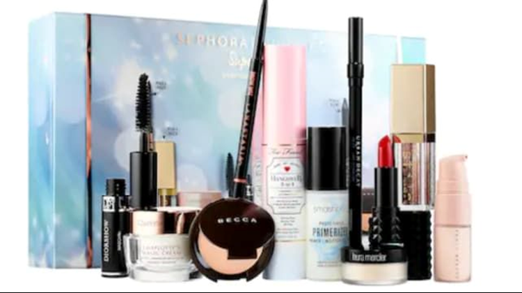 best-beauty-gifts-2018-sephora-superstars-kit.png