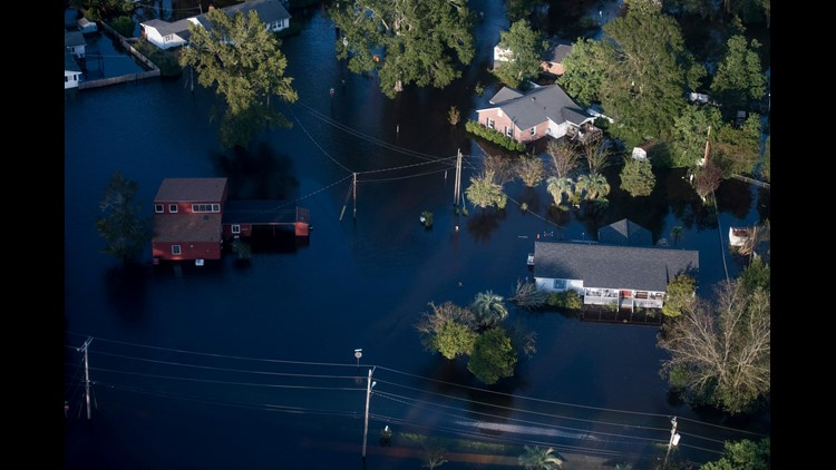 2 dead after van swept away in S. Carolina amid Florence flooding