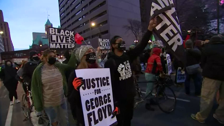 Minneapolis demonstrators call for justice; Chauvin jury wraps for night without verdict