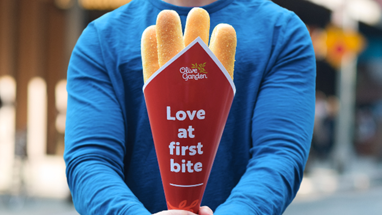 Olive Garden brings back Breadstick Bouquets for Valentine's Day