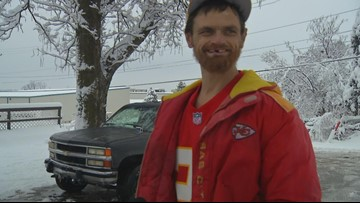 Homeless man rewarded for helping stranded Chiefs player get to playoff game