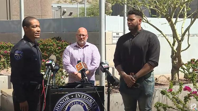 Policía: Un jugador de los Patriotas de Nueva Inglaterra entre los 2 buenos samaritanos que detuvieron una agresión sexual en un parque de Tempe