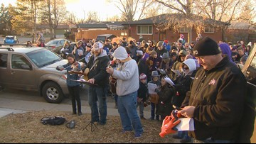Hundreds give surprise gift of song to woman with cancer
