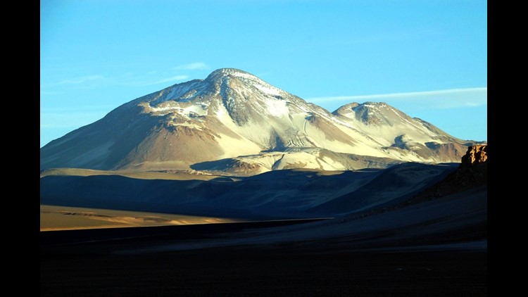 The two peaks of Ojos Del Salado as viewed from Chile. (Photo by Davide Zanchettin / flickr)