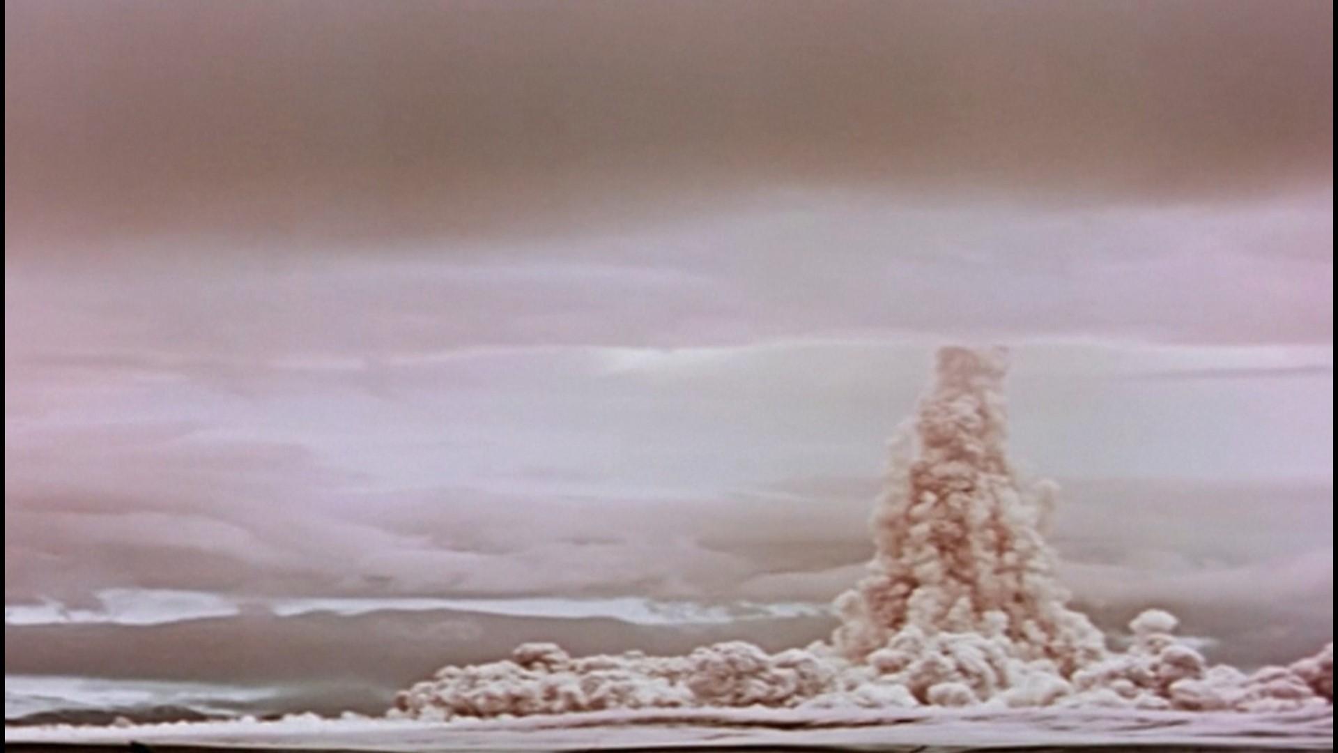 50 Amazing Explosion Animated Gif Images - Best Animations