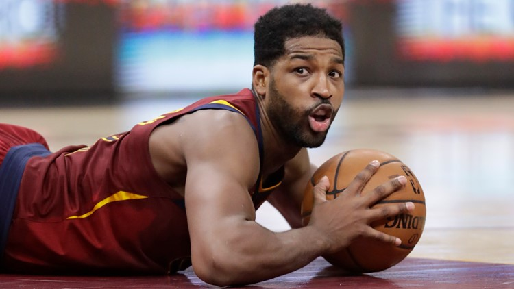 Tristan Thompson buys chicken sandwich for every customer at L.A. Popeyes