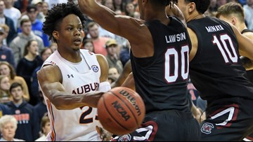 Auburn defeats South Carolina 80-67