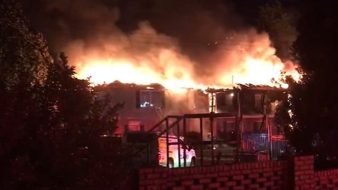 One building destroyed in early morning blaze at Irmo apartment complex