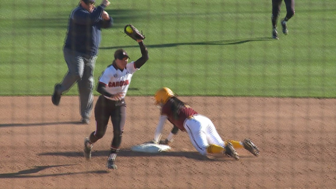 USC softball team tunes up for the SEC schedule with win over Winthrop