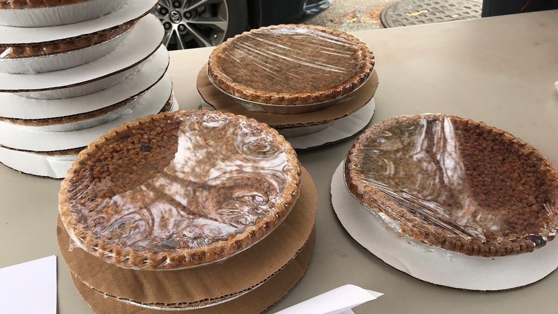 USC 'pie day' gives students hands-on experience in the hospitality field