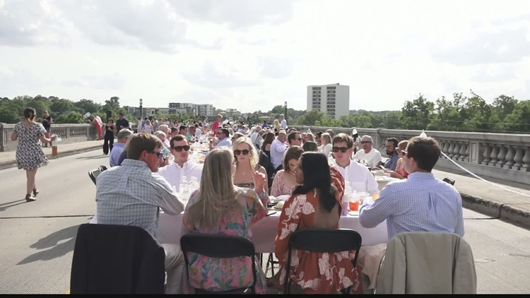 1,000 diners attend Gervais Street Bridge Dinner for charity