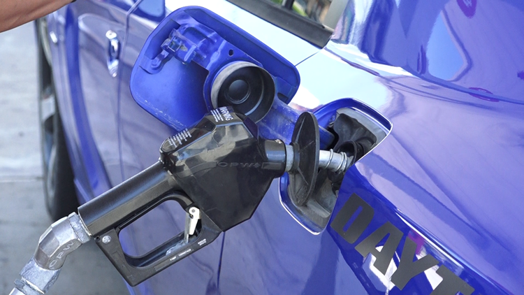 Average US price of gas up by 6 cents per gallon to $3.31