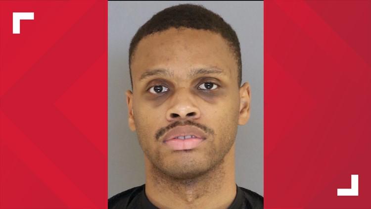 Sumter detention officer arrested for contraband, deputies