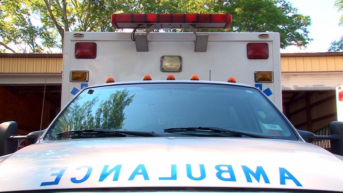 Man dies while trying to fix his car near Irmo Walmart