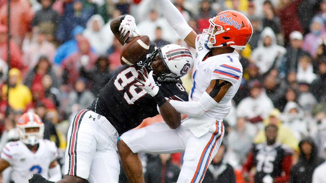 Florida pulls away late to top USC 38-27