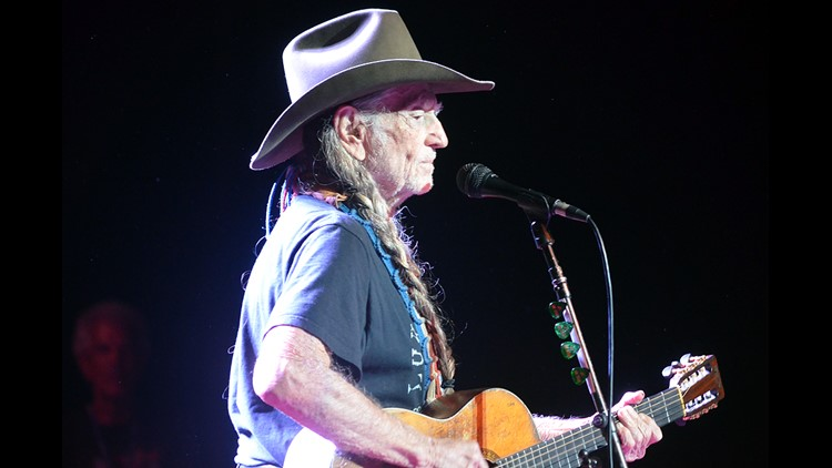 Willie Nelson storms off festival stage after 'stomach bug'