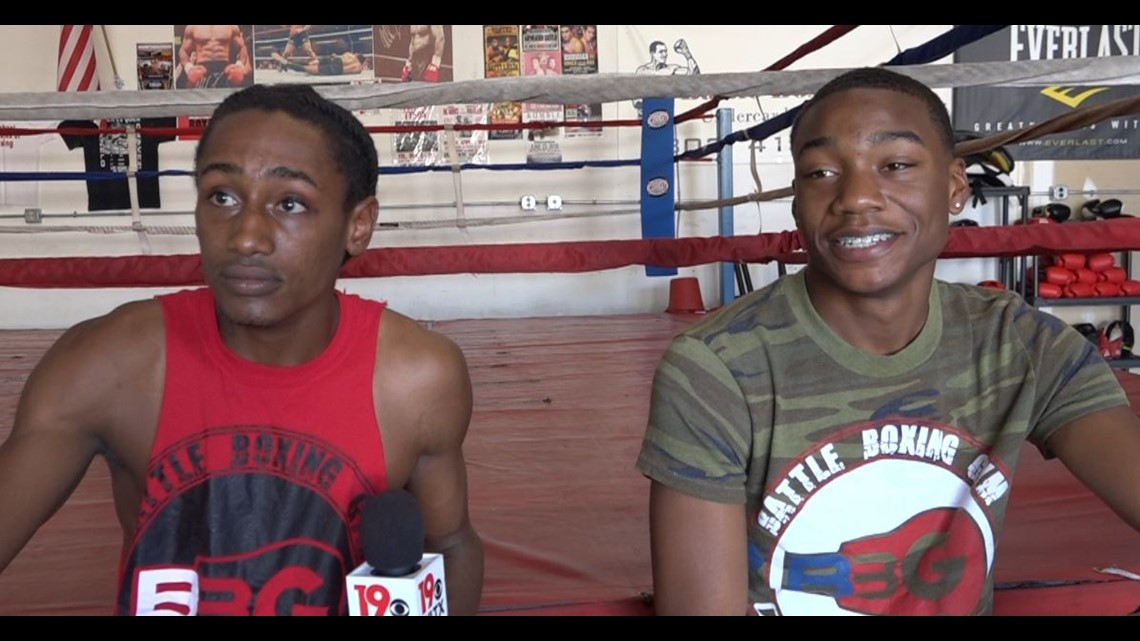 Two South Carolina natives sign professional boxing contracts