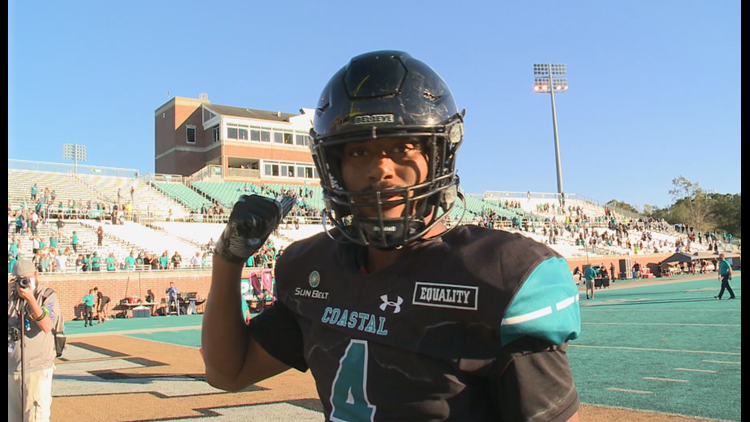 Coastal Carolina tight end is up for two national awards