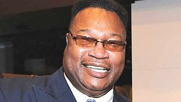 Heavyweights boxing champ Larry Holmes to appear at Allen University fundraiser
