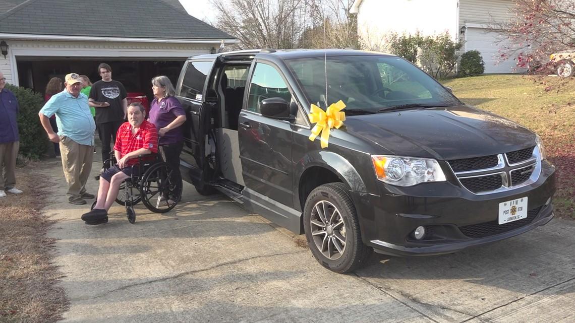 Lexington organization surprises disabled veteran with van