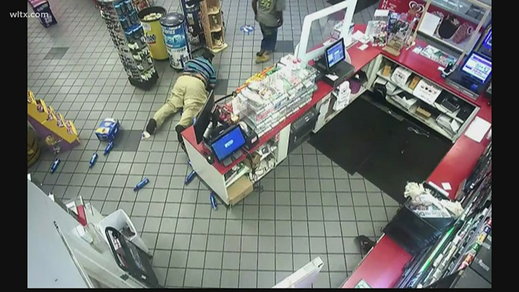 Deputies looking for two men who stole beer, assaulted employees