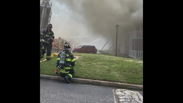 Fire rips through apartment building in Lexington County