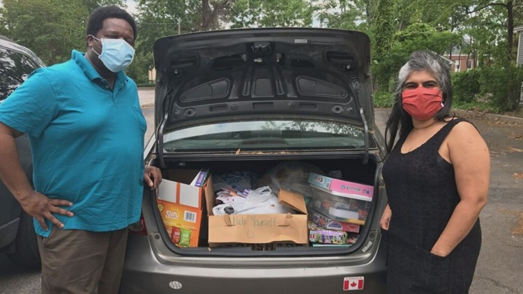 Mutual Aid volunteers delivering supplies