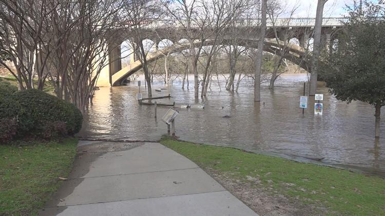 Closing Times Christmas Eve Columbia Sc 2020 Riverwalk closed due to high shores of Congaree River | wltx.com