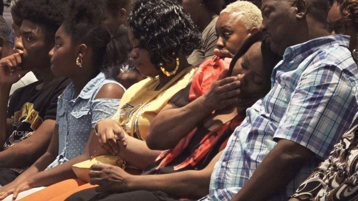 Community gathers to pray for murdered Sumter mom, missing 5-year-old daughter