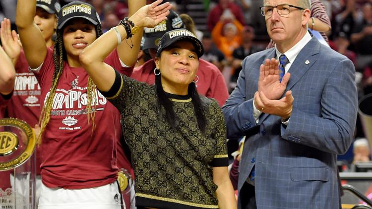 Another top recruit commits to Dawn Staley and USC WBB