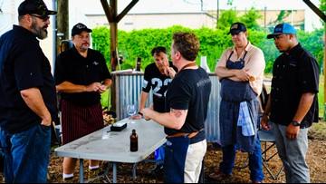 Veteran chefs serve dinner to support local military veterans