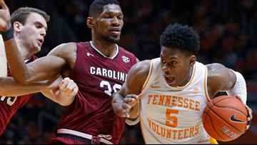 USC falls to top-ranked Tennessee 85-73