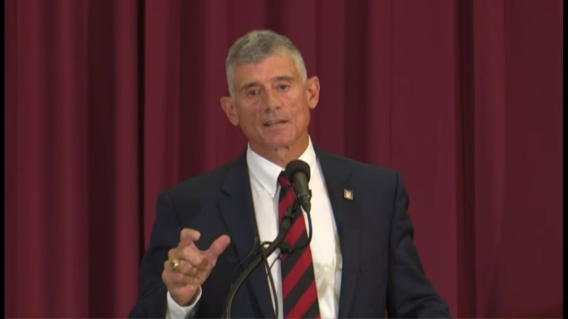 Robert Caslen sends first letter to students as USC president