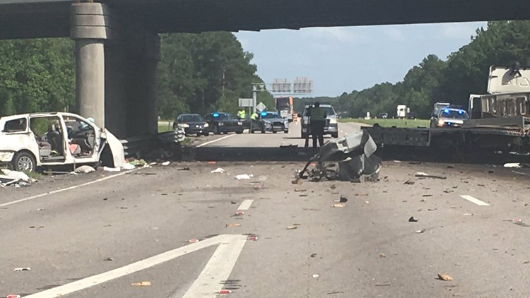 Father and two daughters killed on I-26 near Orangeburg, wife and
