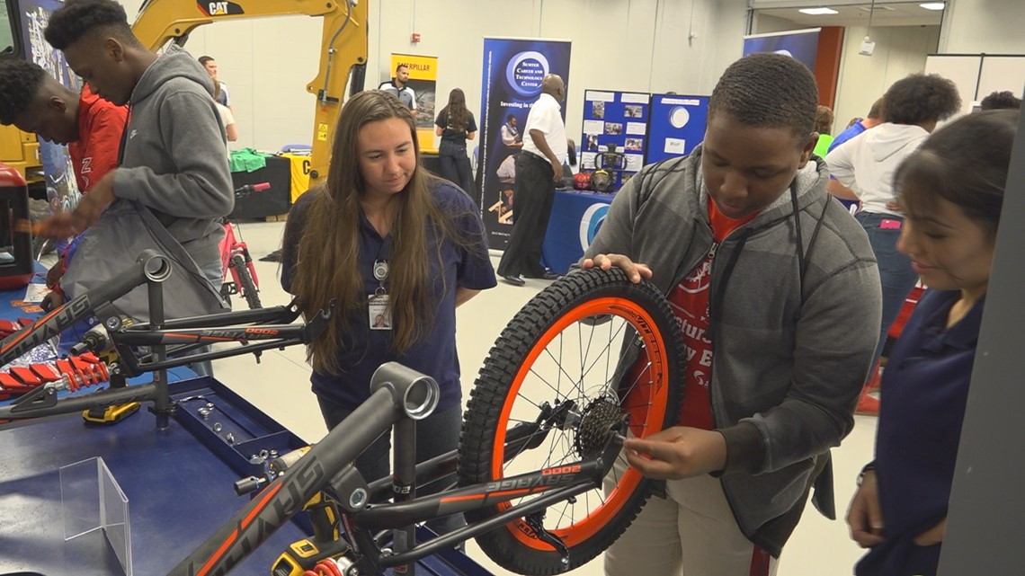Tech expo showcases job opportunities to Sumter students