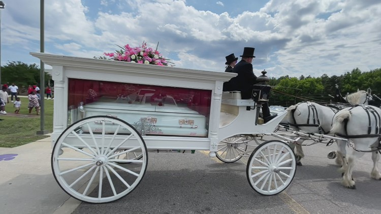 11-year-old SC shooting victim given horse-drawn carriage for funeral