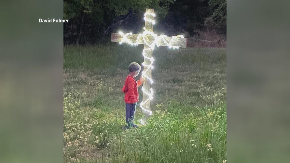 Crosses bring light of hope to community in wake of coronavirus pandemic