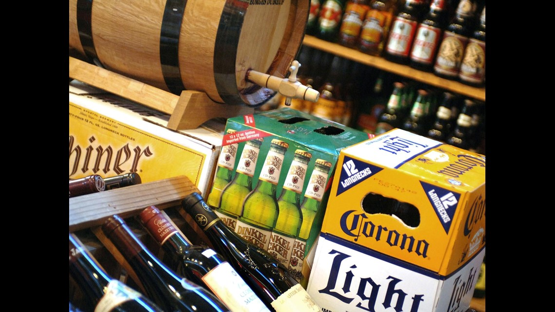 Bill allowing beer sales with curbside groceries moves on