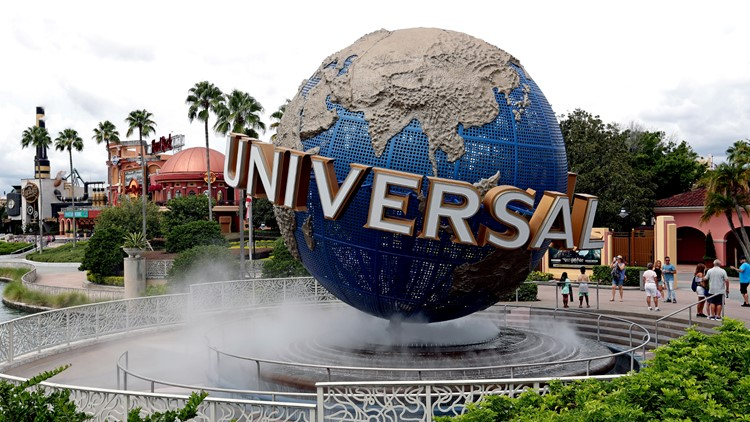 """New York man sues NBC Universal over """"unlimited"""" refills theme park cup"""