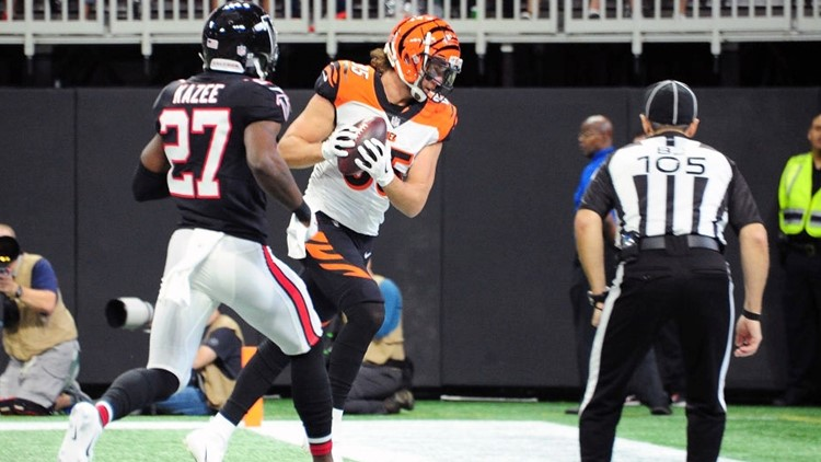 Bengals tight end incurs gruesome injury vs. Falcons at Mercedes-Benz Stadium