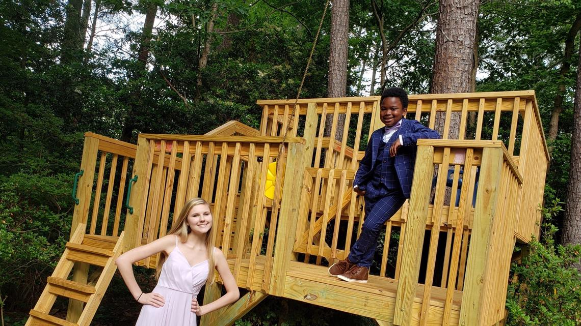 7-year-old saves prom for babysitter!